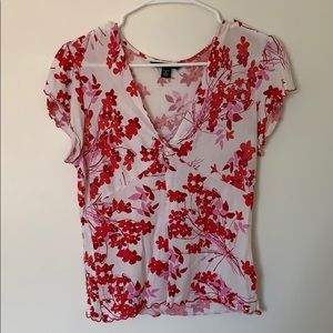 Banana Republic Tops - Red and white floral stretch top